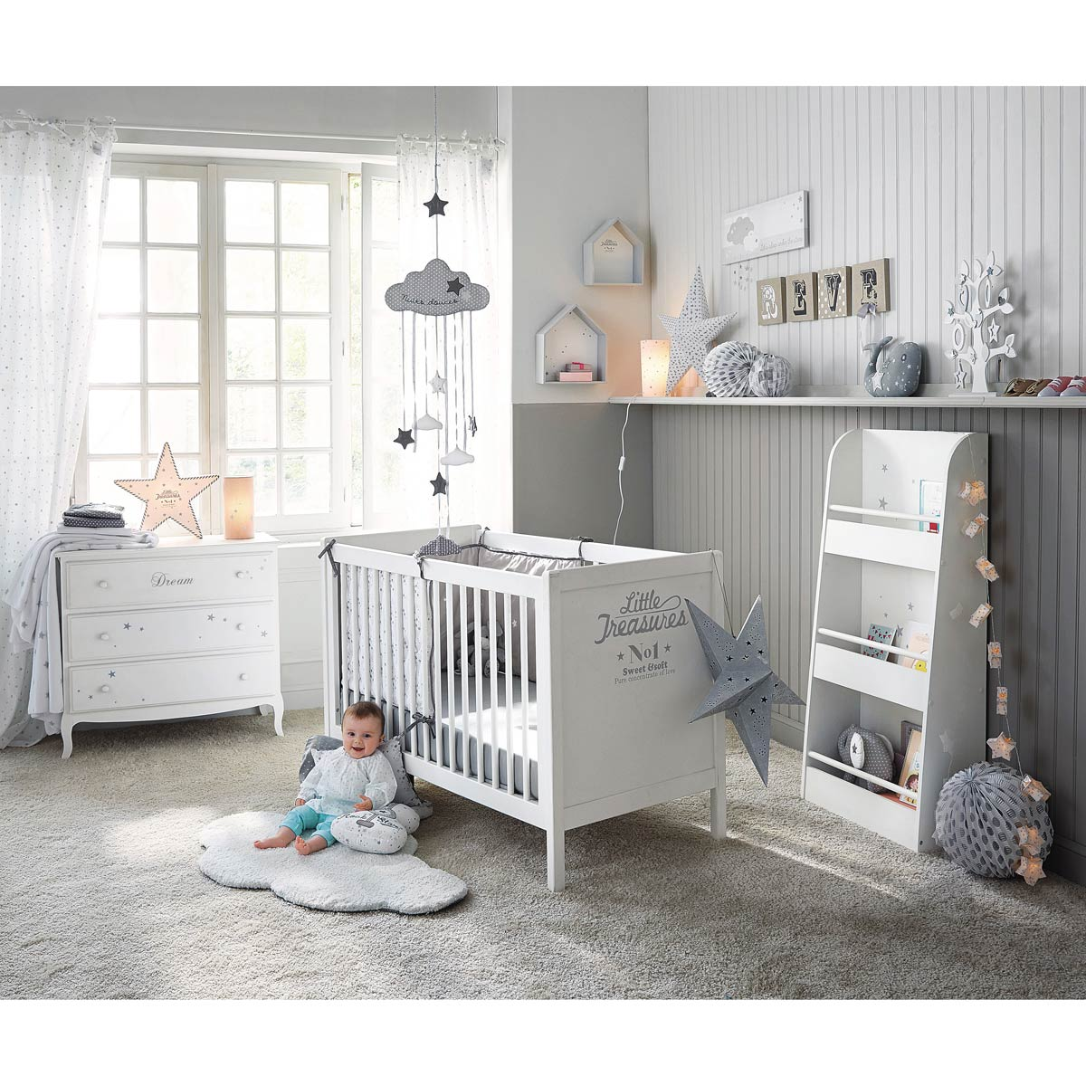 tapis chambre bebe nuage avec des id es. Black Bedroom Furniture Sets. Home Design Ideas